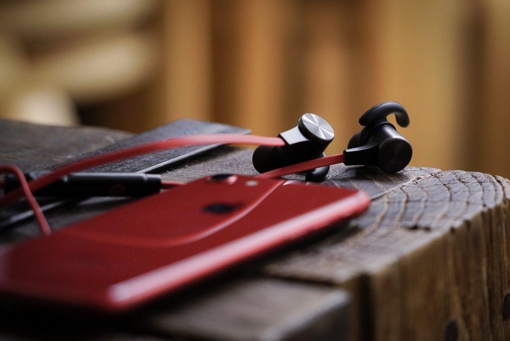 好想擺脫「線」制?2020運動無線藍牙耳機推薦與選購