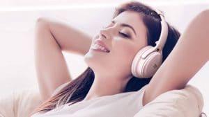 挑選耳罩耳機時常看到的「蛋白質耳罩」是什麼?
